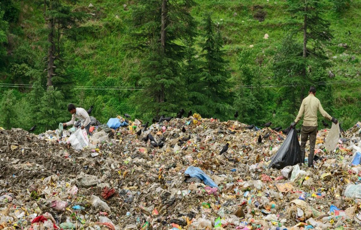 Tourists Leave 2,000 Tonnes Garbage in Manali in Two Months